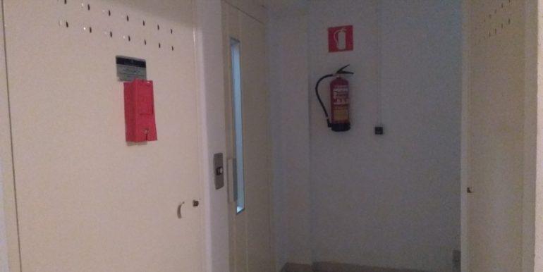 Acceso sótano ascensor